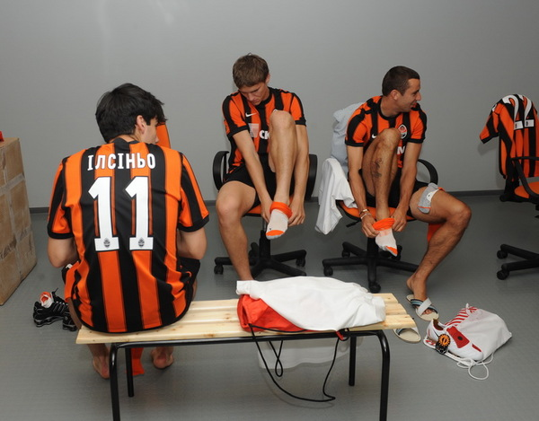 http://www.rusfootball.info/uploads/posts/2009-07/1247752694_object_74.1247751043.jpg