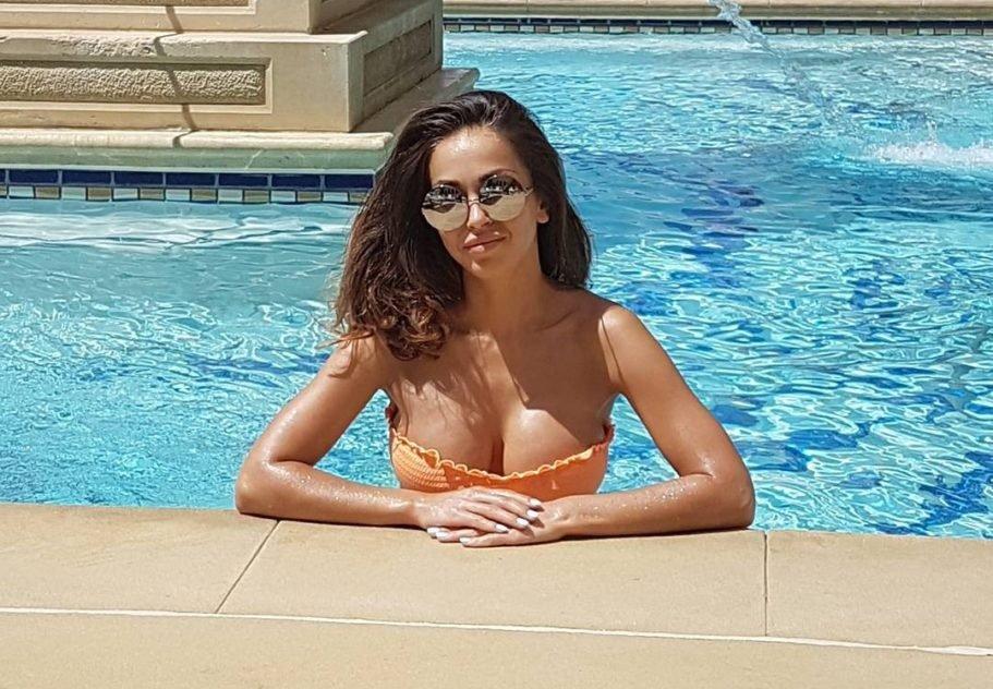 Оргазм жена друга русское про